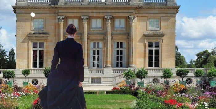 two-women-Versailles